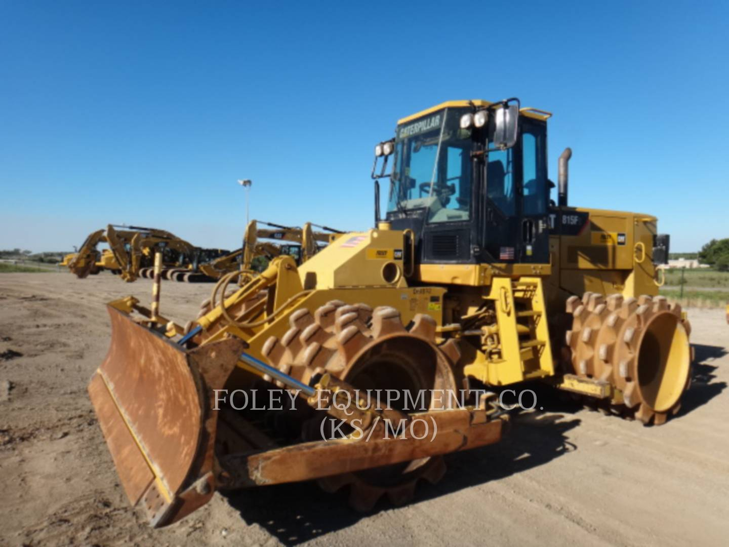 Detail photo of 2012 Caterpillar 815FII from Construction Equipment Guide