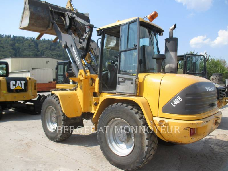 VOLVO CONSTRUCTION EQUIPMENT PALE GOMMATE/PALE GOMMATE MULTIUSO L40B equipment  photo 2