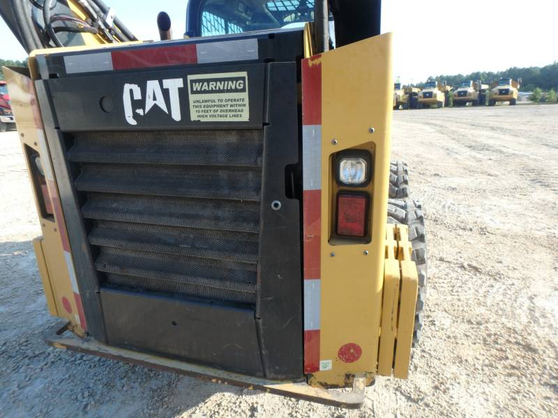 CATERPILLAR KOMPAKTLADER 262D equipment  photo 21