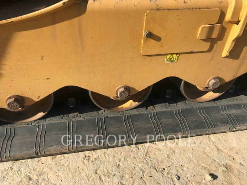 CATERPILLAR PALE CINGOLATE MULTI TERRAIN 259D equipment  photo 13