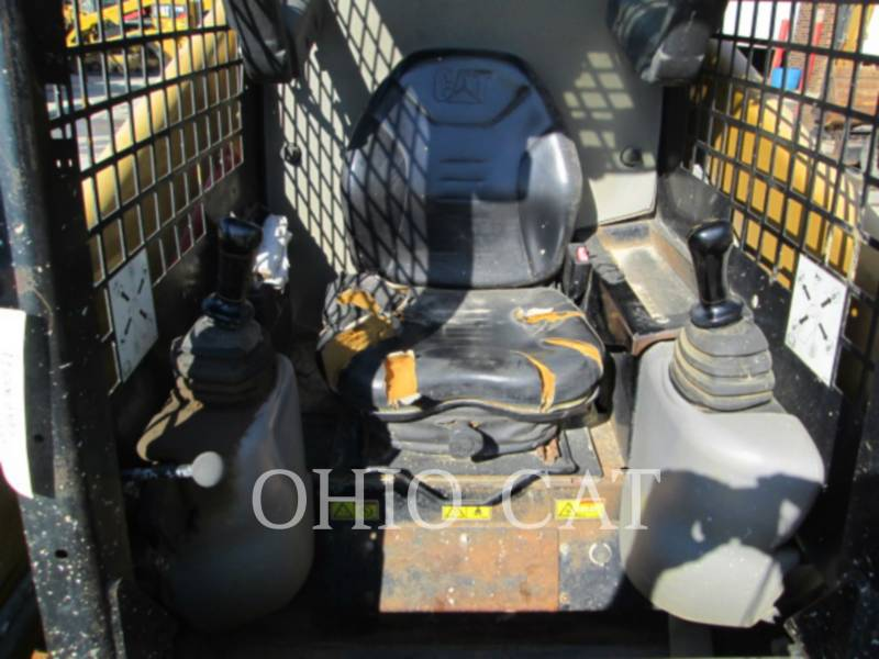 CATERPILLAR SKID STEER LOADERS 246B equipment  photo 6