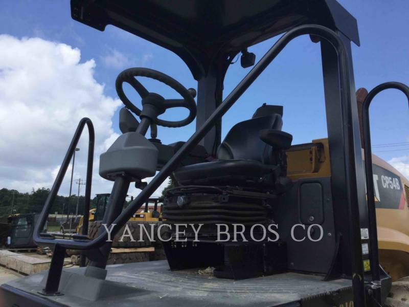 CATERPILLAR EINZELVIBRATIONSWALZE, BANDAGE CP54B equipment  photo 10