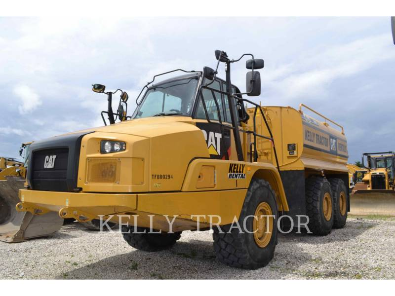 CATERPILLAR CAMIONES DE AGUA 725C equipment  photo 2