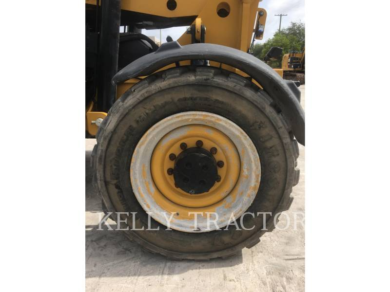 CATERPILLAR TELEHANDLER TL1055C equipment  photo 12