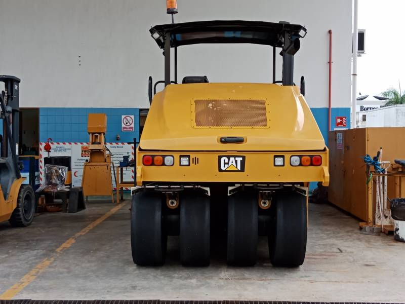 CATERPILLAR PNEUMATIC TIRED COMPACTORS CW34LRC equipment  photo 3
