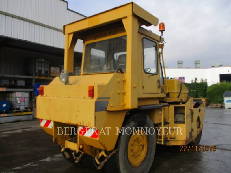 CATERPILLAR COMBINATION ROLLERS CB-525 equipment  photo 4