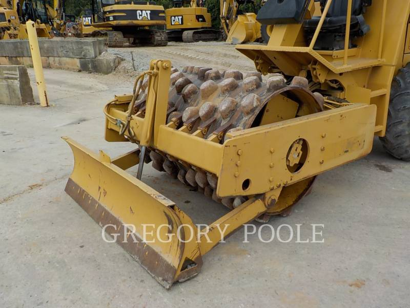 CATERPILLAR VIBRATORY SINGLE DRUM PAD CP-433C equipment  photo 3