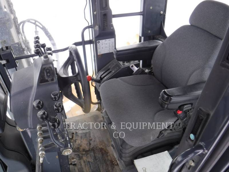JOHN DEERE MOTOR GRADERS 772D equipment  photo 6