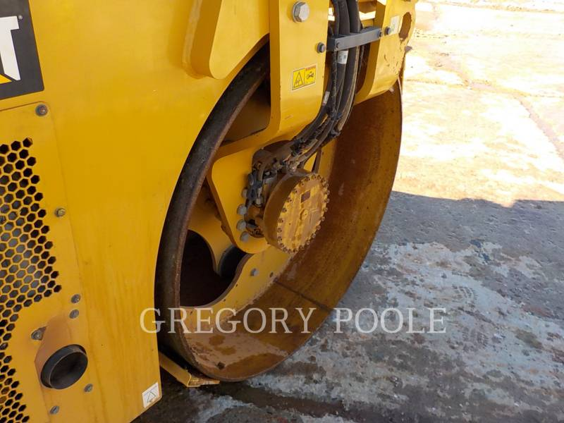 CATERPILLAR TAMBOR DOBLE VIBRATORIO ASFALTO CB54B equipment  photo 20