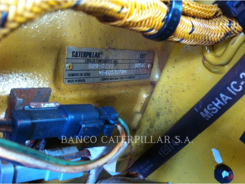 CATERPILLAR PLANO DO TAMBOR ÚNICO VIBRATÓRIO CS-423E equipment  photo 15