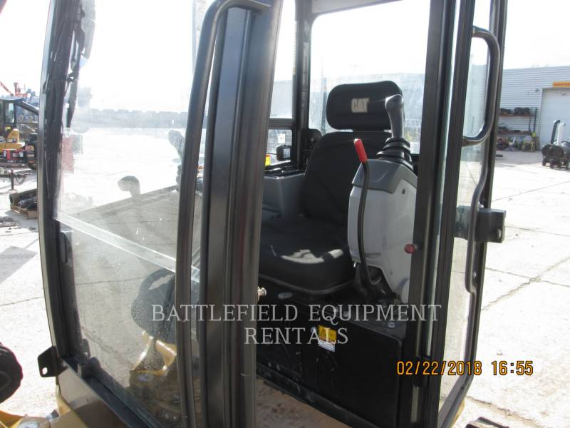 CATERPILLAR トラック油圧ショベル 302.7D equipment  photo 6