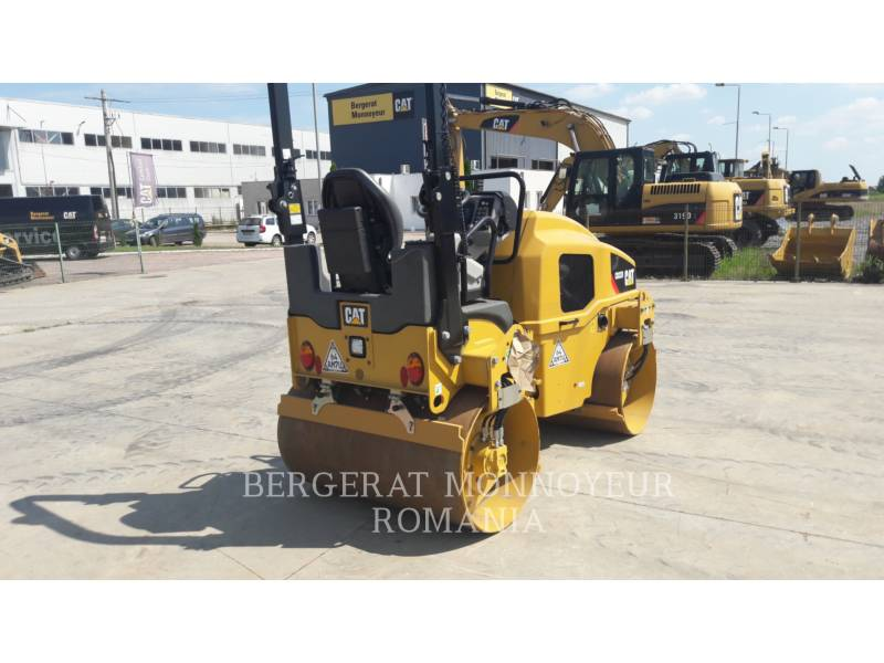 CATERPILLAR VIBRATORY DOUBLE DRUM ASPHALT CB32BLRC equipment  photo 3