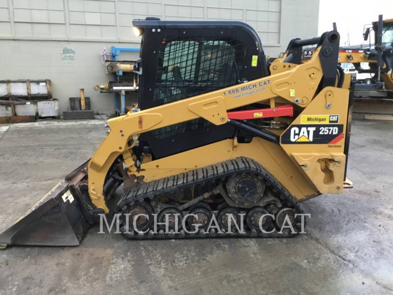 CATERPILLAR CHARGEURS TOUT TERRAIN 257D A2Q equipment  photo 9