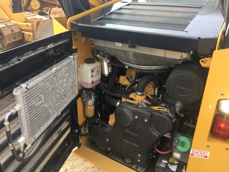 CATERPILLAR KOMPAKTLADER 272D equipment  photo 10