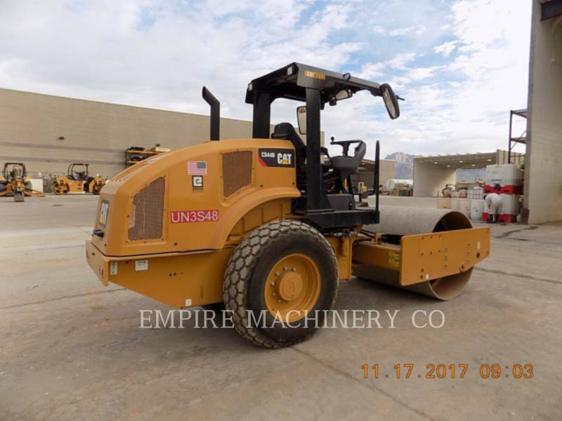 CATERPILLAR COMPACTEUR VIBRANT, MONOCYLINDRE À PIEDS DAMEURS CS44B equipment  photo 2