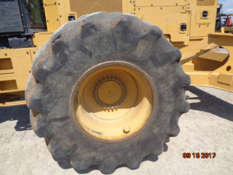 CATERPILLAR FORSTWIRTSCHAFT - HOLZRÜCKER 535D equipment  photo 6