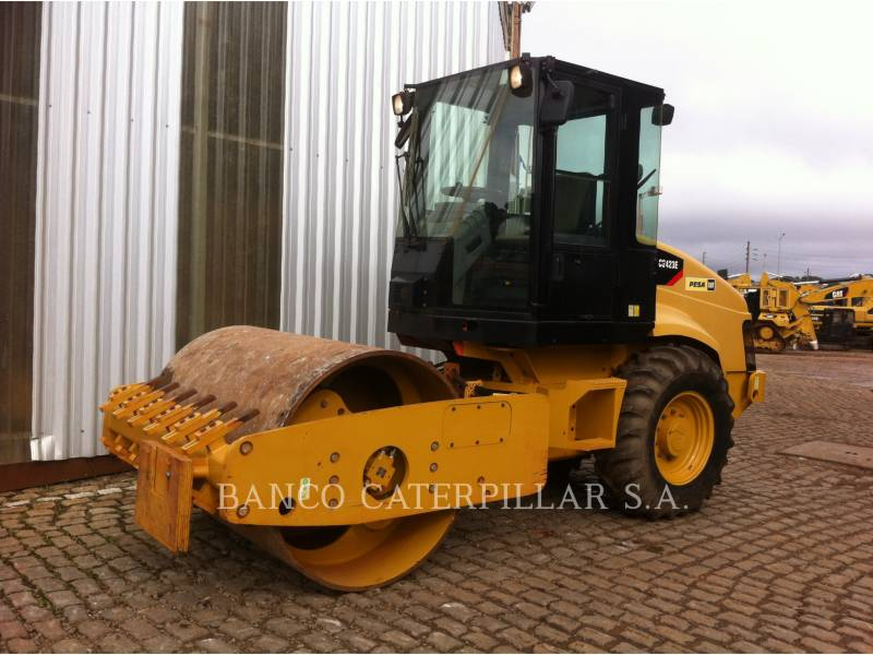 CATERPILLAR PLANO DO TAMBOR ÚNICO VIBRATÓRIO CS-423E equipment  photo 2