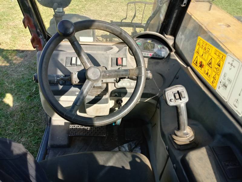 CATERPILLAR MANIPULADORES TELESCÓPICOS TH406 equipment  photo 4