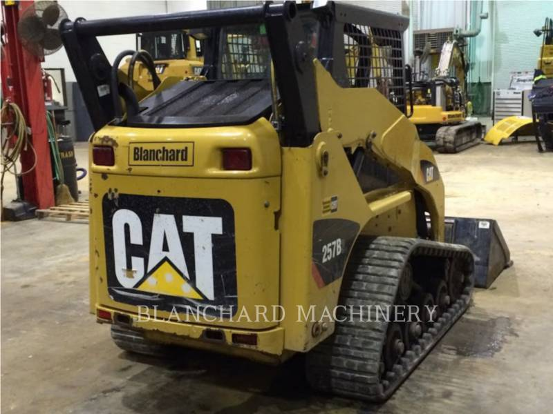 CATERPILLAR UNIWERSALNE ŁADOWARKI 257B3 equipment  photo 6