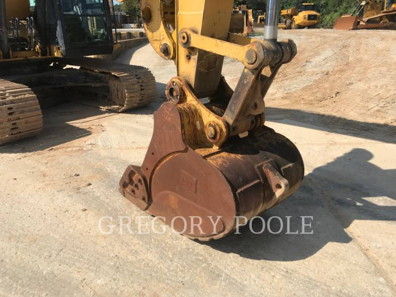 CATERPILLAR TRACK EXCAVATORS 320E L equipment  photo 15