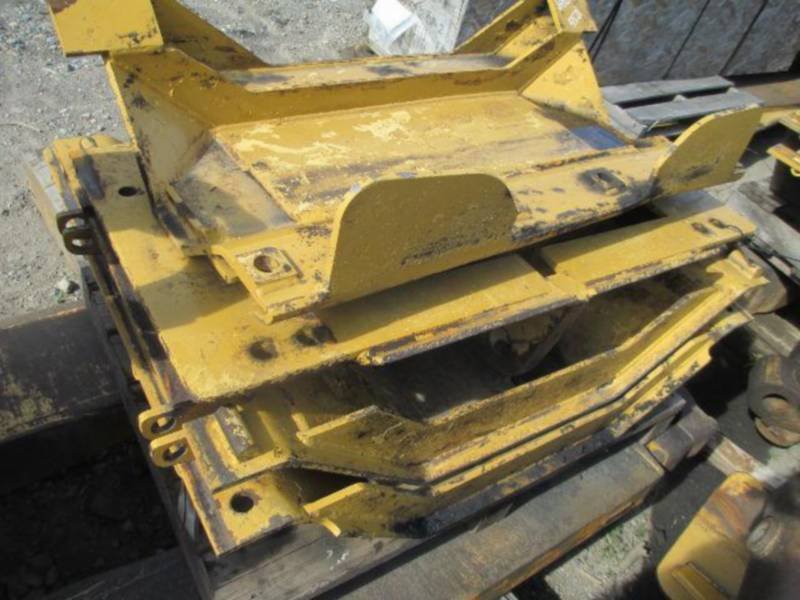 CATERPILLAR TRATORES DE ESTEIRAS D10T equipment  photo 24