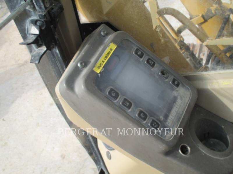 CATERPILLAR PELLES SUR CHAINES 318B equipment  photo 8