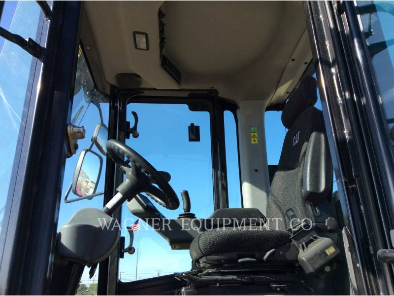 CATERPILLAR COMPACTEUR VIBRANT, MONOCYLINDRE LISSE CS56B equipment  photo 6