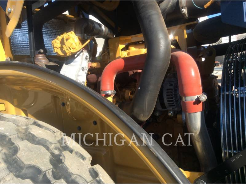 CATERPILLAR VIBRATORY SINGLE DRUM SMOOTH CS54B equipment  photo 11