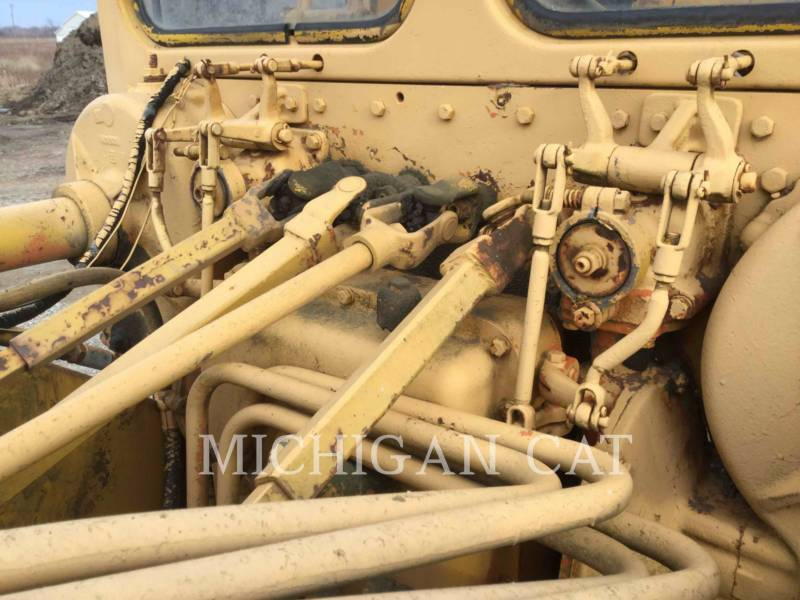 CATERPILLAR NIVELEUSES 120 equipment  photo 21