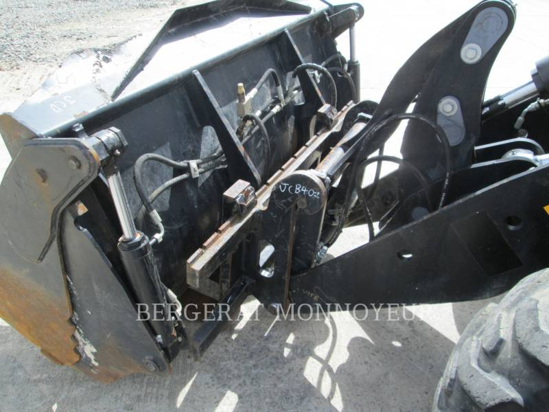 JCB WHEEL LOADERS/INTEGRATED TOOLCARRIERS 407BT4 equipment  photo 15