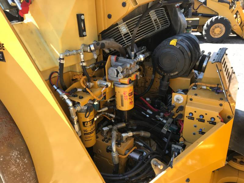 CATERPILLAR VIBRATORY DOUBLE DRUM ASPHALT CB54 equipment  photo 15