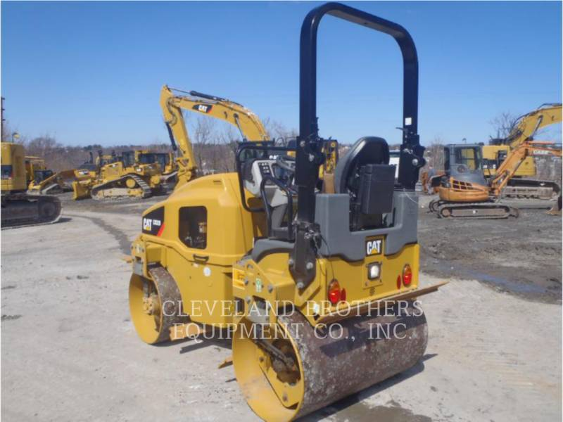 CATERPILLAR TANDEMVIBRATIONSWALZE, ASPHALT CB32BLRC equipment  photo 3