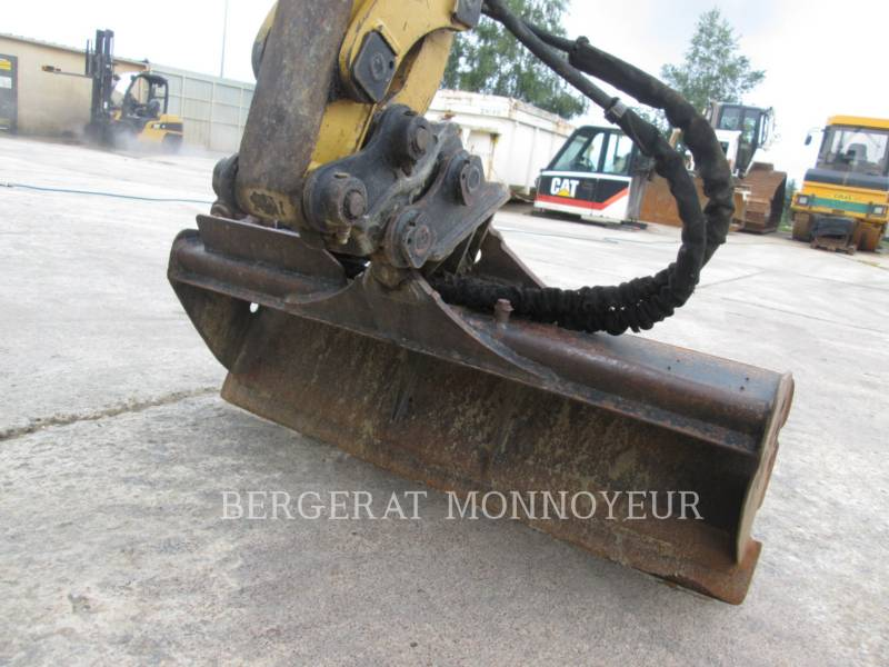 CATERPILLAR TRACK EXCAVATORS 301.8C equipment  photo 10