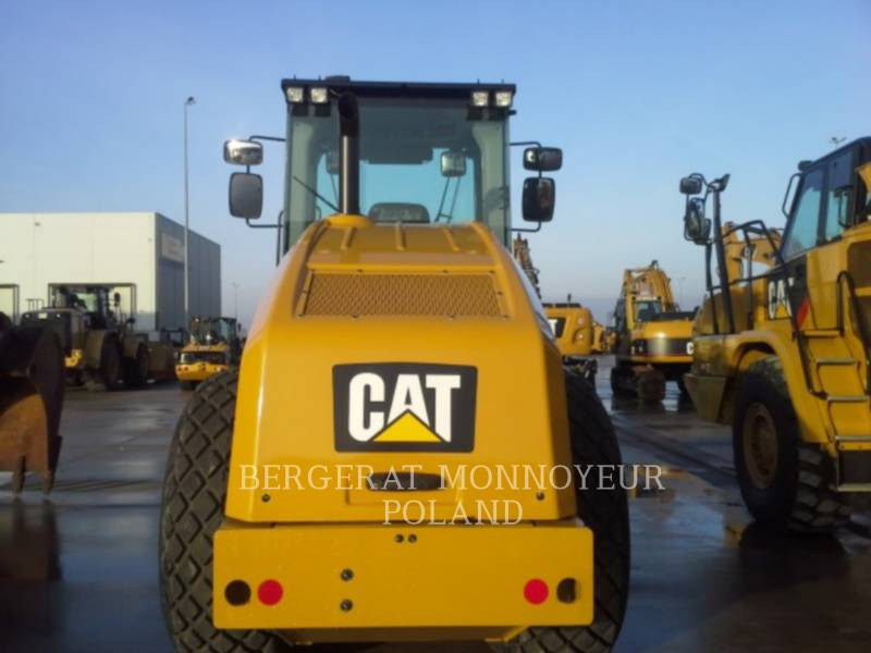 CATERPILLAR COMPACTEUR VIBRANT, MONOCYLINDRE LISSE CS64B equipment  photo 9