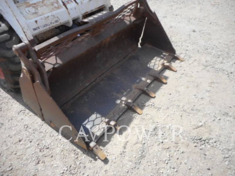 BOBCAT CHARGEURS COMPACTS RIGIDES 753 equipment  photo 14