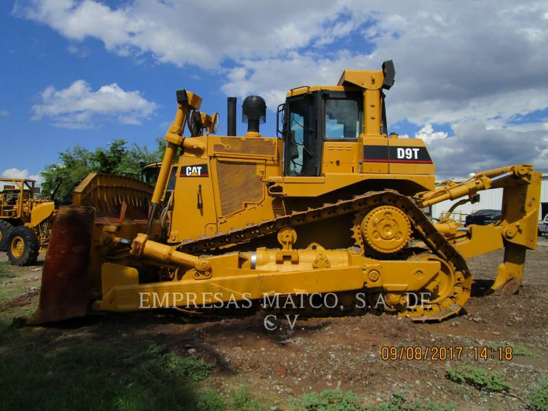 CATERPILLAR TRATORES DE ESTEIRAS D9T equipment  photo 2