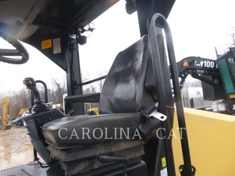 CATERPILLAR TAMBOR DOBLE VIBRATORIO ASFALTO CB54 equipment  photo 7