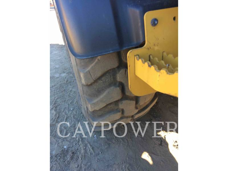 CATERPILLAR CARGADORES DE RUEDAS 908H equipment  photo 17