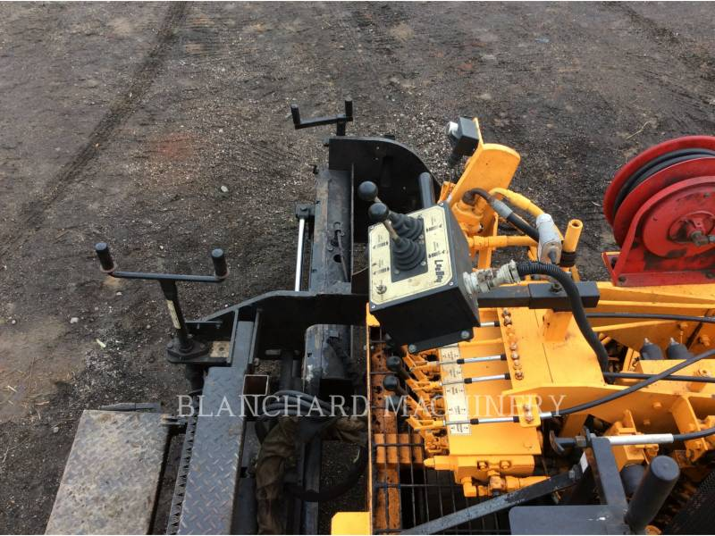 LEE-BOY ASPHALT PAVERS 8510 equipment  photo 9
