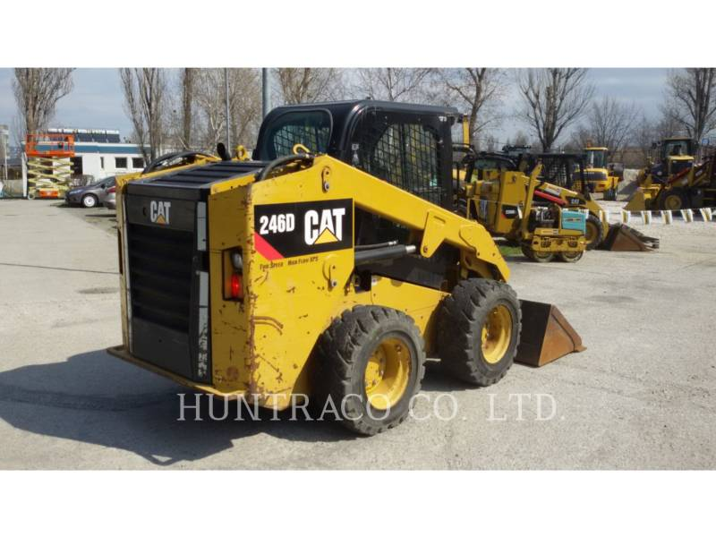 CATERPILLAR PALE COMPATTE SKID STEER 246 D equipment  photo 2