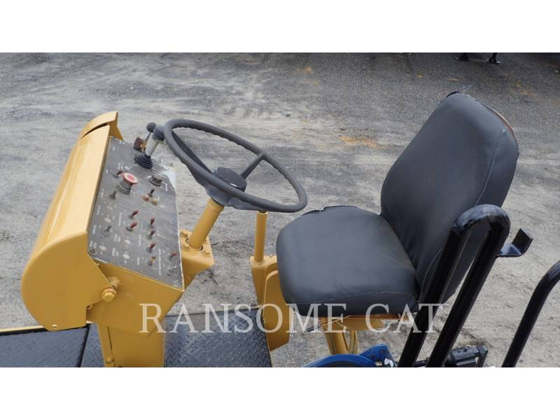 ROADTEC ASPHALT PAVERS RP185-8 equipment  photo 17