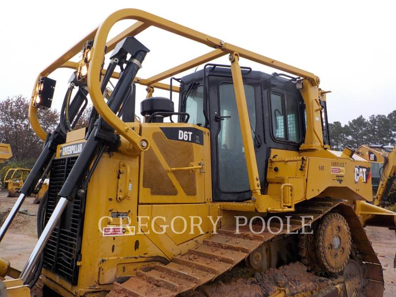 CATERPILLAR TRACK TYPE TRACTORS D6T XL equipment  photo 2