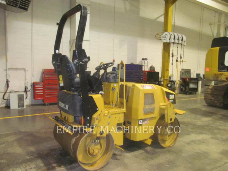 CATERPILLAR VIBRATORY DOUBLE DRUM ASPHALT CB24 equipment  photo 2