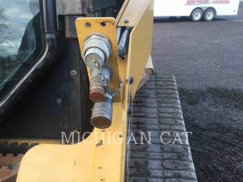 CATERPILLAR MULTI TERRAIN LOADERS 257B3 equipment  photo 8