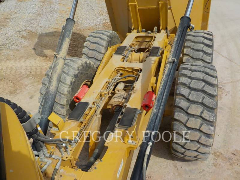 CATERPILLAR DUMPER ARTICOLATI 725C equipment  photo 14
