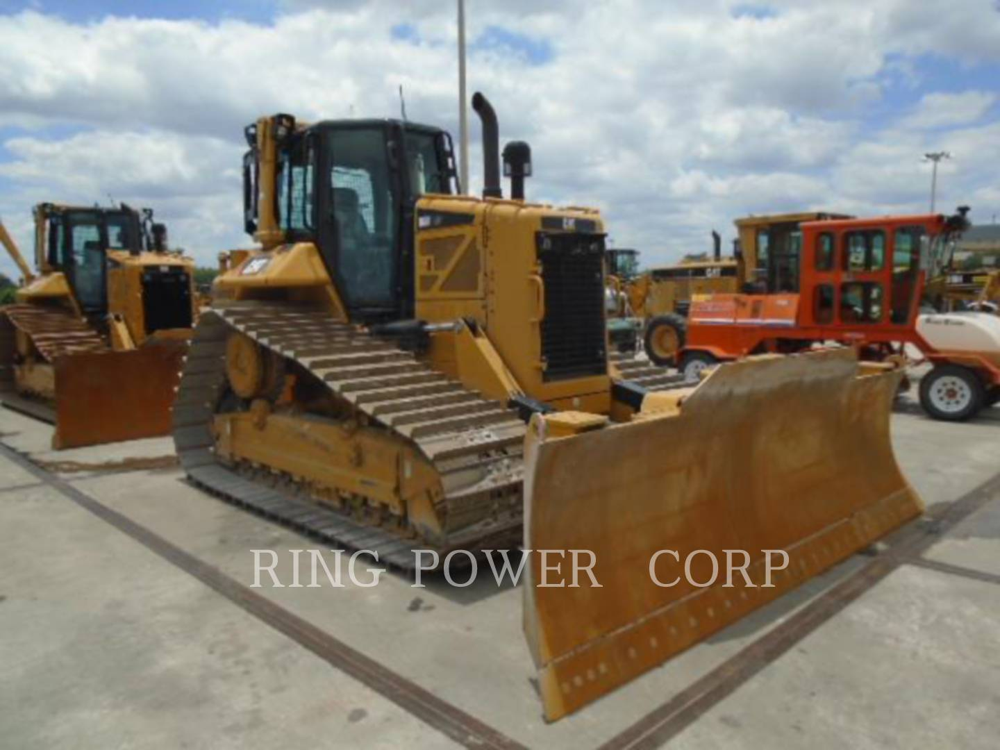 Detail photo of 2014 Caterpillar D6N from Construction Equipment Guide