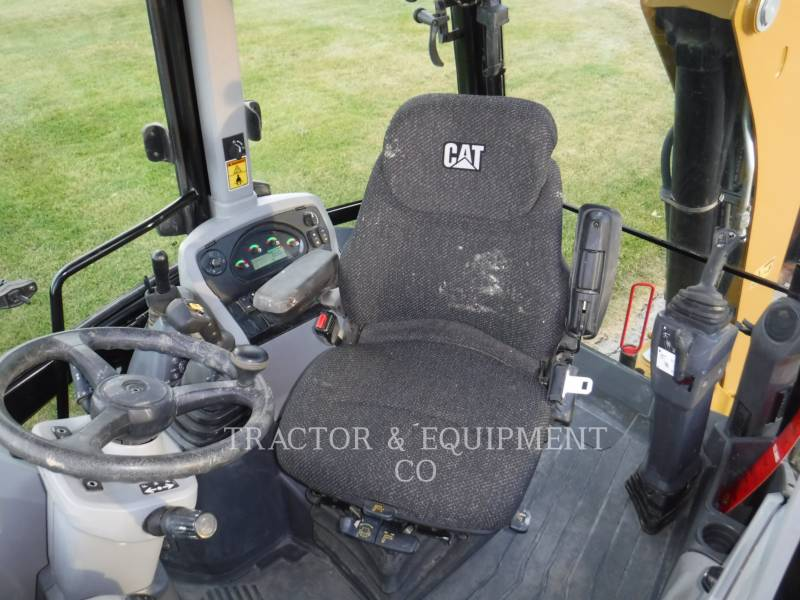 CATERPILLAR CHARGEUSES-PELLETEUSES 420F24ETCB equipment  photo 12