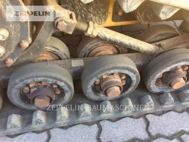 CATERPILLAR MULTITERREINLADERS 257D equipment  photo 15