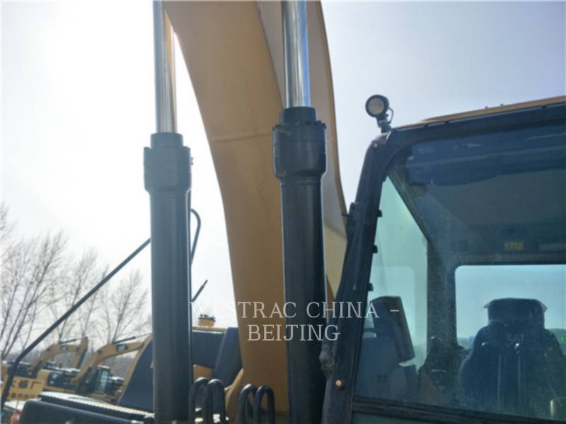 CATERPILLAR TRACK EXCAVATORS 326 D2 equipment  photo 9