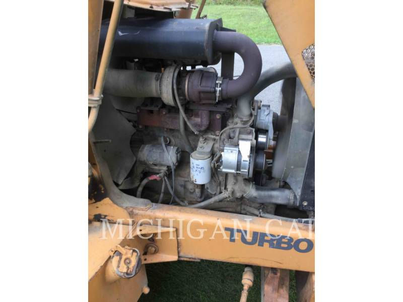 CASE BACKHOE LOADERS 580SL equipment  photo 10